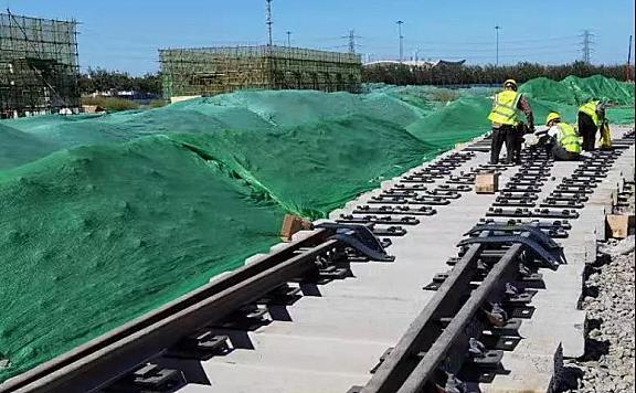 地铁6号线二期工程开始铺轨!