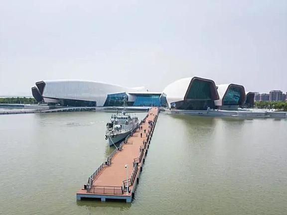 天津海博馆户外展区的752导弹护卫艇